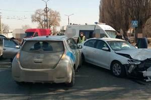 В Харькове на Салтовке произошло тройное ДТП