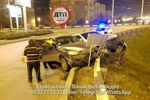 Daewoo с пьяным таксистом протаранил Chevrolet в Киеве