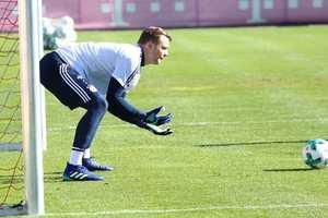 Мануэль Нойер провел первую тренировку после перелома ноги