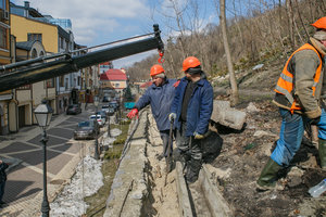 Как Киев спасают от оползней
