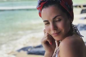 В сексуальном купальнике и без макияжа: Настя Каменских порадовала яркими фото