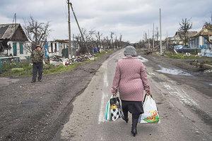 На Донбассе для местных жителей на пасхальные праздники упрощают пересечение линии разграничения