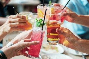ТОП-3 губительных для женщин алкогольных напитка