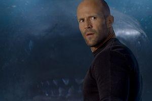 """Как Джейсон Стэтхэм """"голыми руками"""" взял океанического монстра: впечатляющий трейлер"""