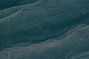 Новые загадочные узоры: в Перу нашли более 50 геоглифов
