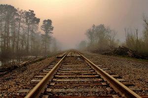 За ночь во Львовской области попали под поезда сразу три человека
