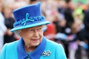 Королева Елизавета сравнила Трампа с шумным вертолетом