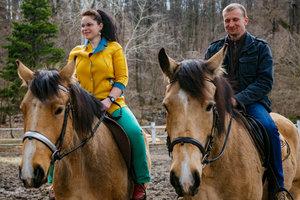 Лошади из Межигорья спасают бойцов от ночных кошмаров