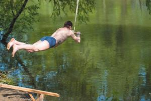 Майские праздники в Одесской области: рыбалка с финской баней и кемпинг с тарзанкой и скалами