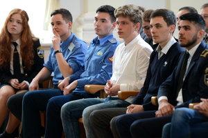 В День авиации и космонавтики назвали имена сотни лучших молодых авиаторов Украины