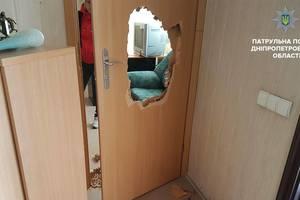 В Днепре среди белого дня люди в масках ограбили офис