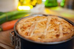 Рецепт дня: пирог с курицей в горчичном соусе