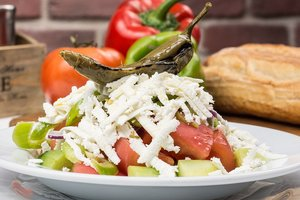 Шопский салат: классический рецепт приготовления