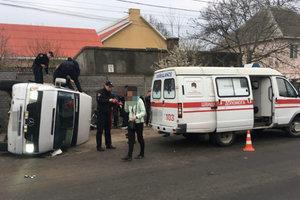 В Одессе грузовик столкнулся с маршруткой: 11 пострадавших