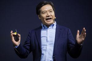 Глава Xiaomi случайно засветил новый фитнес-браслет Mi Band 3