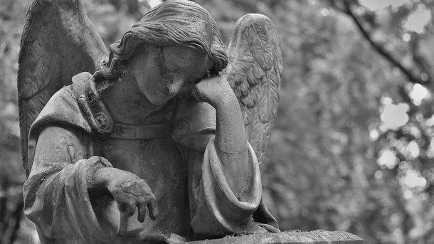 ВОдесской области накладбище ребенка насмерть придавило могильной плитой