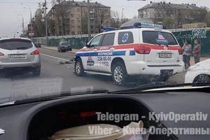 """В Киеве """"скорая"""" протаранила маршрутку"""