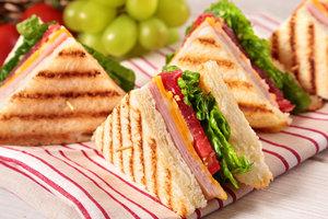 ТОП-5 рецептов сэндвичей для весеннего пикника
