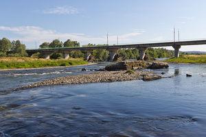 В Ивано-Франковске погибла женщина, переходившая вброд горную речку