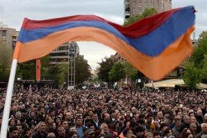 В Армении выбрали премьера, несмотря на протесты