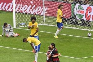 Знаменитый бразильский вратарь объявил о завершении карьеры