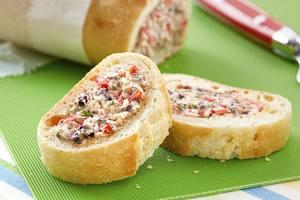 Рецепт для пикника: фаршированный багет в итальянском стиле