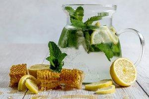 Лучшие рецепты: как приготовить медово-лимонный квас