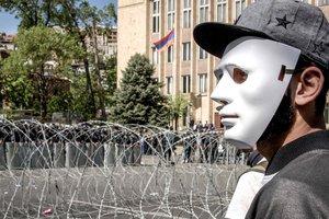 Протесты в Армении и отказ КНДР от ядерных испытаний: ТОП-5 событий мировой политики за неделю