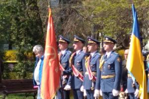 Скандал в Киеве: на празднике в военном институте появилось советское знамя