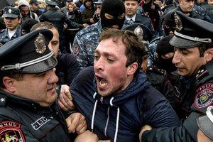 Протесты в Армении: число задержанных в Ереване приближается к сотне