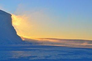 В Антарктиде обнаружили загадочный источник света
