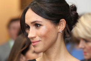 Меган Маркл в платье за 430 долларов сопровождала принца Гарри на приеме в Лондоне