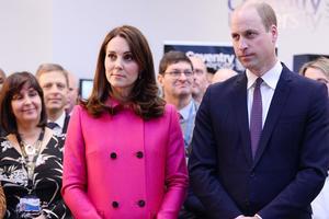 Кейт Миддлтон и принц Уильям стали родителями в третий раз
