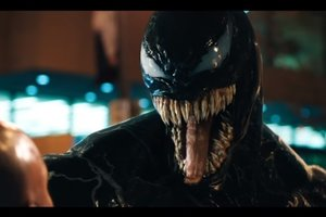 """Том Харди превратился в жуткое инопланетное существо: появился атмосферный трейлер """"Венома"""""""