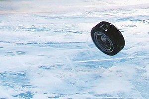 Российские хоккеисты затеяли жестокую драку на турнире в Беларуси