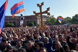 Протесты в Армении привели к расколу в правящей коалиции парламента