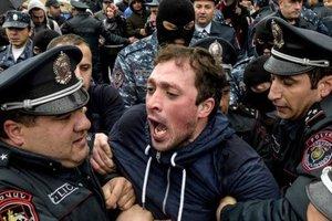 Власти Армении заявили, что не будут пресекать мирные акции оппозиции