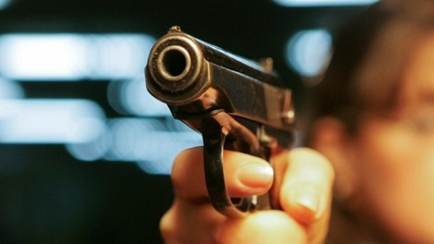 ВЗапорожье полицейские расстреляли мужчину, бросавшегося наних с тесаком