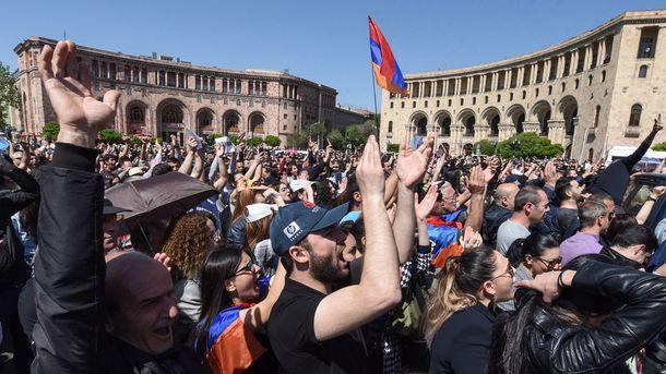 Саркисян призвал политические силы страны провести новые консультации для преодоления кризиса
