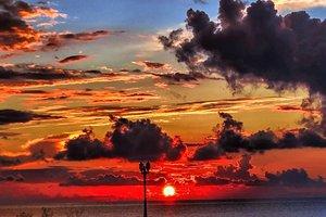 Что нельзя делать после заката Солнца: главные приметы