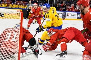 Хоккейный чемпионат мира: шведы громят Беларусь, а хозяева дожали немцев