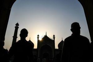В Афганистане в мечети прогремел взрыв: десять человек погибли