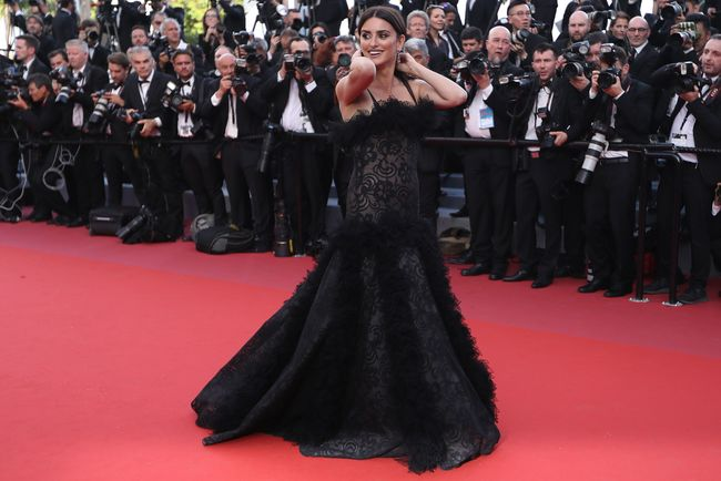 b4968ef64b84 В Каннах состоялось торжественное открытие 71-го кинофестиваля. Фильмом,  давшим старт конкурсу, в этом году стала драма