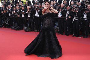 Пенелопа Крус сменила два изысканных наряда от Chanel на открытии Каннского фестиваля