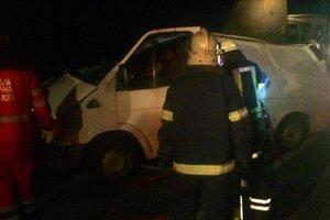 Под Киевом столкнулись грузовик и микроавтобус: погибла женщина