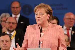 После переговоров с Макроном и Порошенко Меркель сделала заявление по Украине