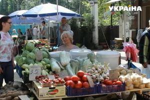 Местные власти в Черновцах пытаются бороться со стихийной торговлей