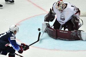 ЧМ по хоккею: Латвия едва не сотворила сенсацию в матче с США, Словакия разобралась с Францией