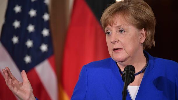 Меркель: Берлин, Париж иЛондон будут придерживаться сделки сИраном