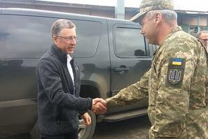 Волкер на Донбассе встретился с командующим объединенными силами